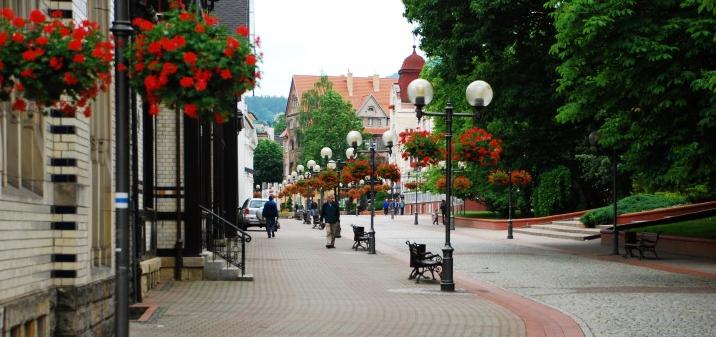 Centrum Szczawno-Zdrój deptak